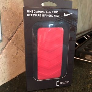 NEW Nike Diamond Arm Band for iPhone 5/5s